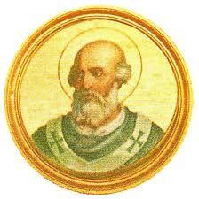 75.- San Eugenio I (654-657)  Nació en Roma. Elegido el 10.VIII.654, murió el 2.VI.657. Fue elegido un año antes de la muerte de San  Martìn I. Se opuso a las intrigas del Emperador comunicando a todos los países de Europa el triste fin de su predecesor. Ordenó a los sacerdotes la observancia de la castidad.: