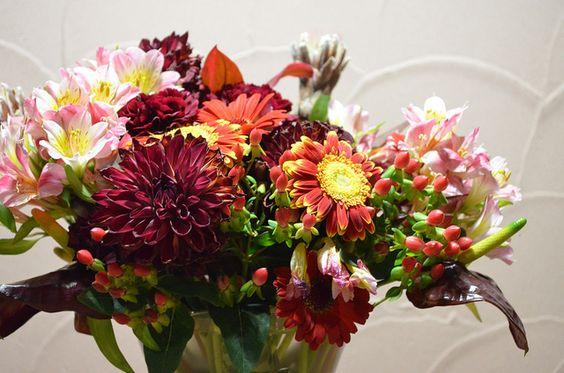 לאור הביקוש הרב ולרגל החג, החלטנו להגיש לכם בשנית את המדריך שיעזור לכם לשמור על זרי הפרחים, כך שיוכלו להחזיק אפילו עד שלושה שבועות. חג שמח!: