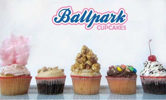 Ballpark themed cupcakes! Baseball suddenly became a whole lot more interesting :)