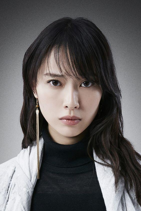 真剣な表情の戸田恵梨香さん