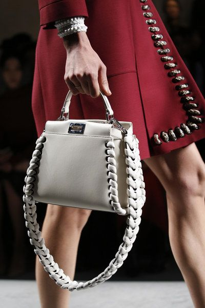 Fendi Spring 2016 Ready-to-Wear Accessories Photos - Vogue: