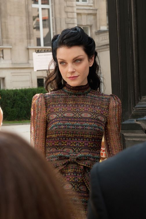 Jessica Stam, looking Belle Epoque
