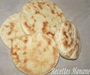 batbout (pain marocain cuit à la poêle) - recetteshanane