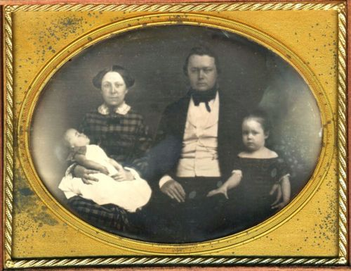 FAMILY WITH A DECEASED INFANT DEAD BABY POST MORTEM DAG POSTMORTEM DAGUERREOTYPE | eBay