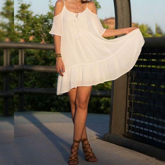 Hoy te proponemos un #vestido blanco para resaltar tu bronceado. Descúbrelo en nuestra sección #NewCollections y aprovecha los últimos días de #descuentos de nuestro #baúldelujo.  ✔️ CHEAP & CHIC ✔️  #moda #estilo #chic #nuevascolecciones #preciosquesorprenden #descuentos #descuentosdelujo #rebajas #Baulchic