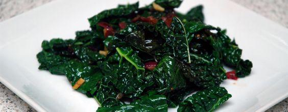 Kale and Maui Onion Stir Fry #paleo