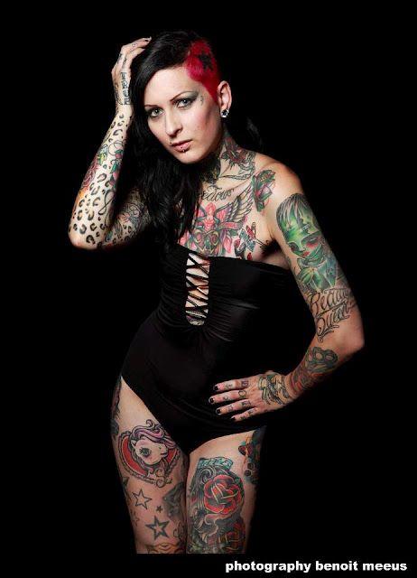 . #Tattoos #Girls, #FemkeFatale #Brunette #BlackHair #Piercing