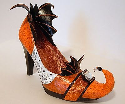 DIY Witches Shoes.... Use tin foil to Wrap and make the added on part to the front of ANY High Heel Shoe. ( just bend and curve at the end ) Then wrap Masking / Duct Tape to secure to Shoe. ... CLICK to see finished Product... ( lovely with glitter )