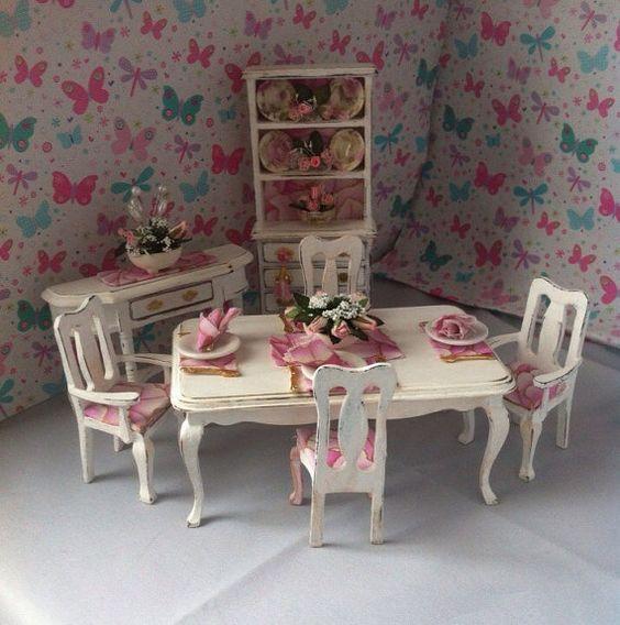 Puppen-Haus gekleidet Esszimmer oder Küche-Ess-Bereich