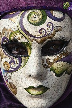 Carnevale di Venezia --- I have a few masks from here but I want to go to Carnival