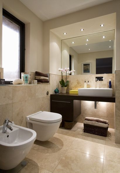 Nice tiles and mirror area