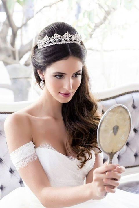 Coiffure de mariage cheveux long avec diademe