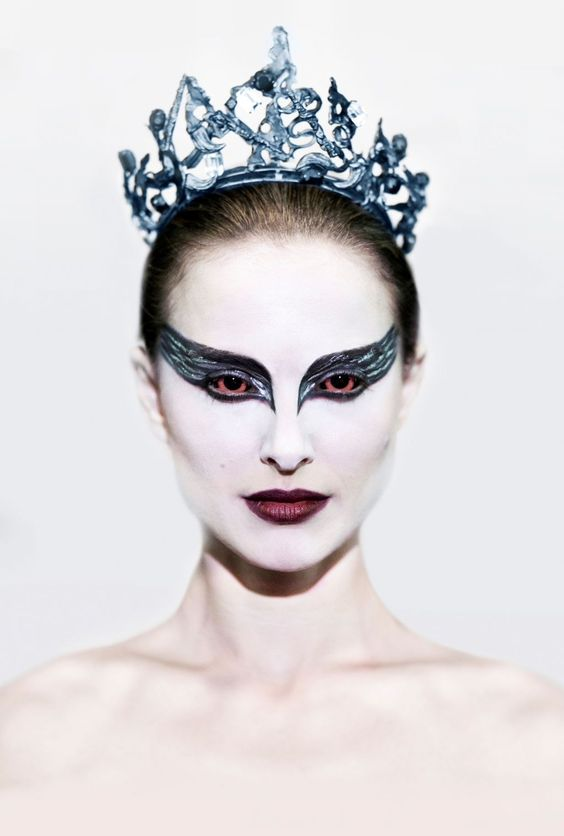Las mejores ideas de maquillajes de CISNE NEGRO, ideas para maquillarse y lucir como un verdadero cisne. Todos los diseños black swan makeup