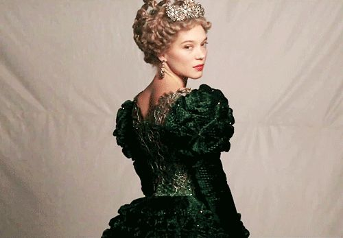 la belle et la bete 2014 costume Pierre-Yves Gayraud     La robe est très jolie!!!!
