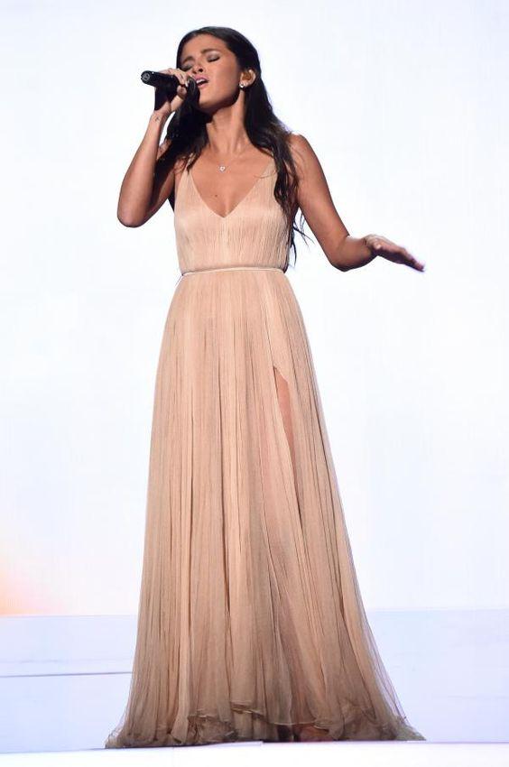 Selena Gomez AMA 2014:
