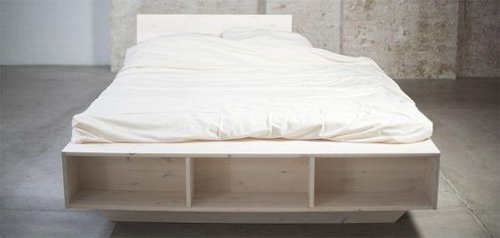 Massivholz Bett Weiß mit Regal und Rückenlehne:  Ganzheitlich ökologisch:  Zertifiziertes Holz, Biofarben und Recycling-Verpackung