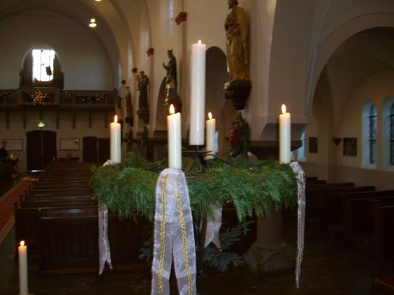 St. Antonius Abt kerk, Eindhoven. Adventskrans kerst 2014