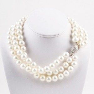 Classic KEP Designs pearl necklace