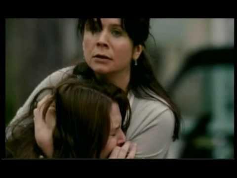 """▶ Trailer legendado de """"Um Segredo Entre Nós"""" - YouTube Netflix 21/02"""