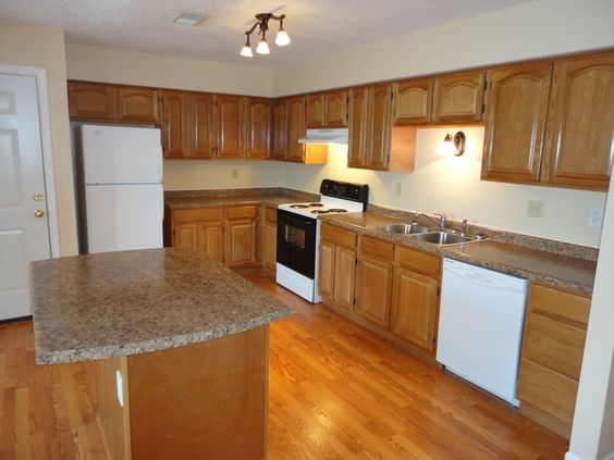 kitchens with white appliances and oak cabinets finished kitchen using our oak rta kitchen cabinets 9860