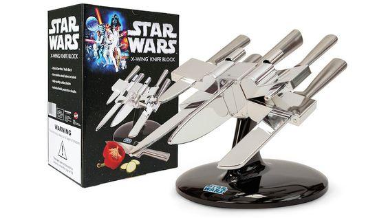 Porte-couteaux Star Wars : super geek !   [47] Ustensiles Ridicules (mais géniaux) Pour La Cuisine >> http://www.homelisty.com/ustensiles-cuisine-ridicules/