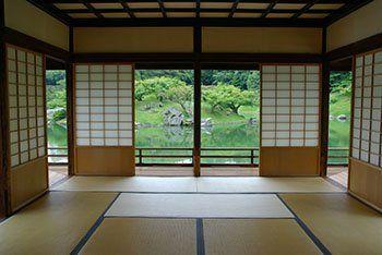 Casa giapponese tradizionale: non esiste separazione netta tra interno ed esterno