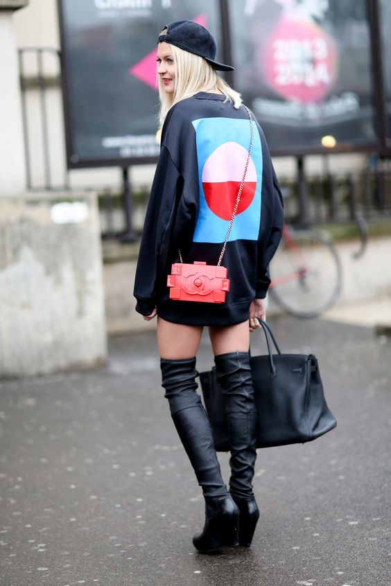 Oversized sweatshirt, leather thigh highs, plus a Chanel Lego bag what could be better. #PFW