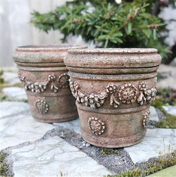 Two one inch scale pots 13.00 for mini gardens two green thumbs 2014