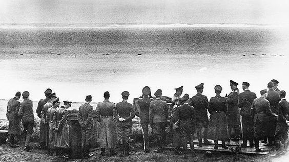1 July 1940 - Goering and other Nazi officials look across the English Channel at the Cliffs of Dover the closest they would ever get to invading Britain [640 x 360] #HistoryPorn #history #retro http://ift.tt/266g05E: