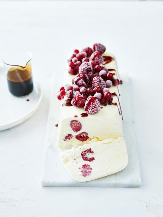 Parfait au yaourt, groseilles, framboises et caramel de porto - Délices