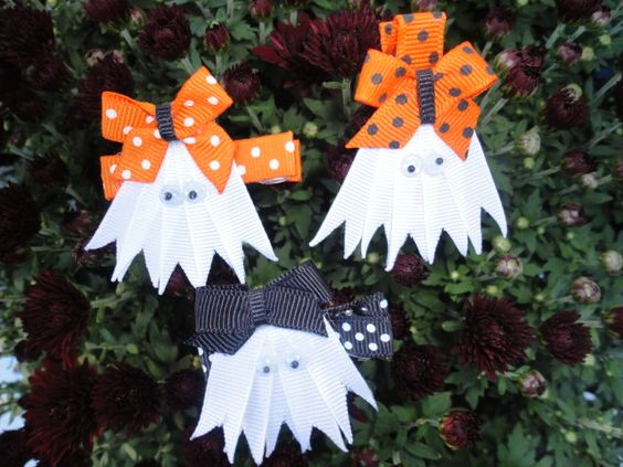 Ghost gals..........Buttons & Bows