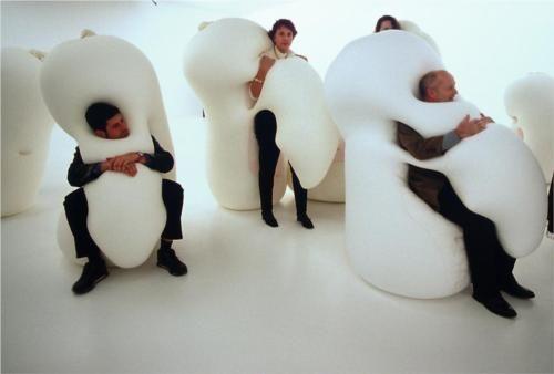Humanoids Family - Ernesto Neto - Post-Minimalism, Installation 2001