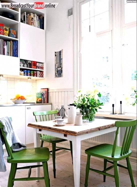 Kuche Mit Integriertem Essplatz Kuche Tisch Kuchentisch Und Stuhle Speisezimmereinrichtung