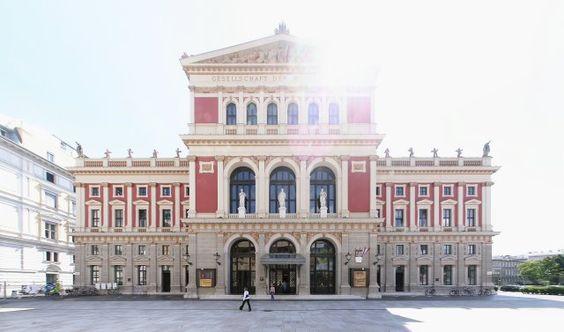 Passeio imperdível em Viena_fachada_Viajando bem e barato