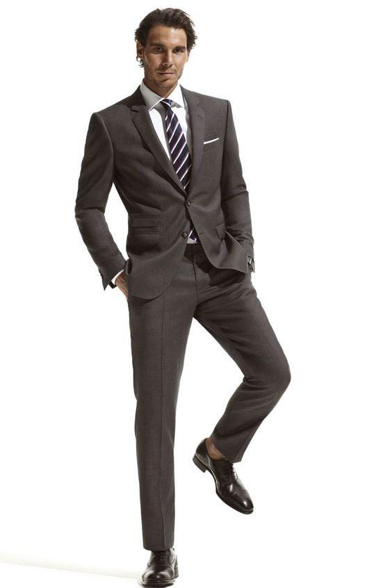 スーツ姿のラファエル・ナダル