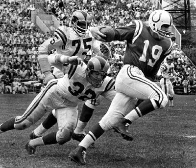 """""""Conceit is bragging about yourself. Confidence means you believe you can get the job done."""" • Johnny Unitas"""