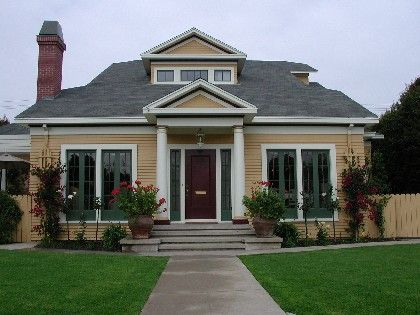 bungalow exterior exterior paint colors exterior houses house colors. Black Bedroom Furniture Sets. Home Design Ideas