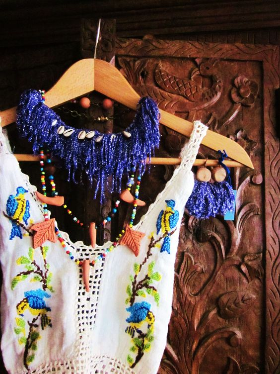 """""""Hippy Festival Necklace """" , """"Dancing Cha-Cha-Cha with a Zulù Necklace """"& """"Swim in the Hawaiian Sea Earrings""""."""