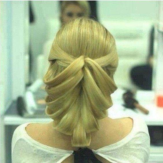 Coiffure inhabituelle, mais il a l'air fantastique. #beauté #coiffure #cheveux #blond