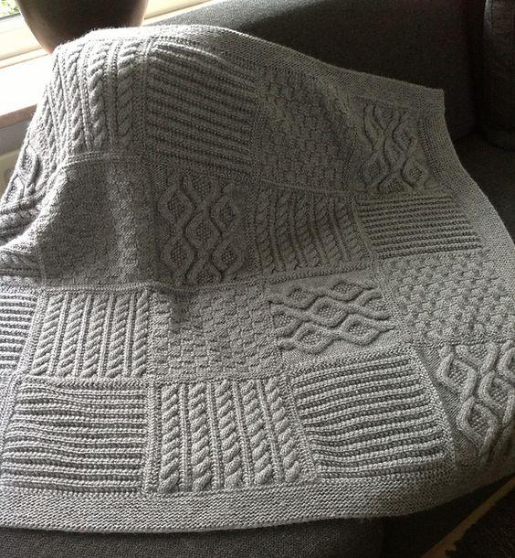 Free Loom Knitting Patterns For Scarves : Gebreide plaid. Patroon is te vinden via: http://www.garnstudio.com/lang/us/p...
