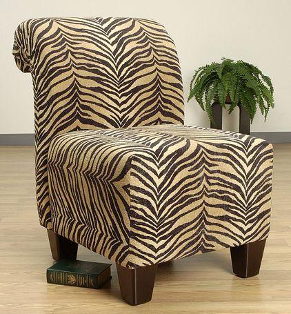 Hermosa silla para dar un toque de animal print.