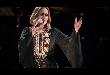 Adele is reportedly in talks to headline the Super Bowl in 2017 | NME.COM