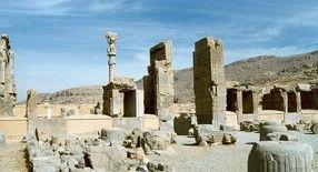 Ruínas de Persópolis: exemplo da arquitetura persa