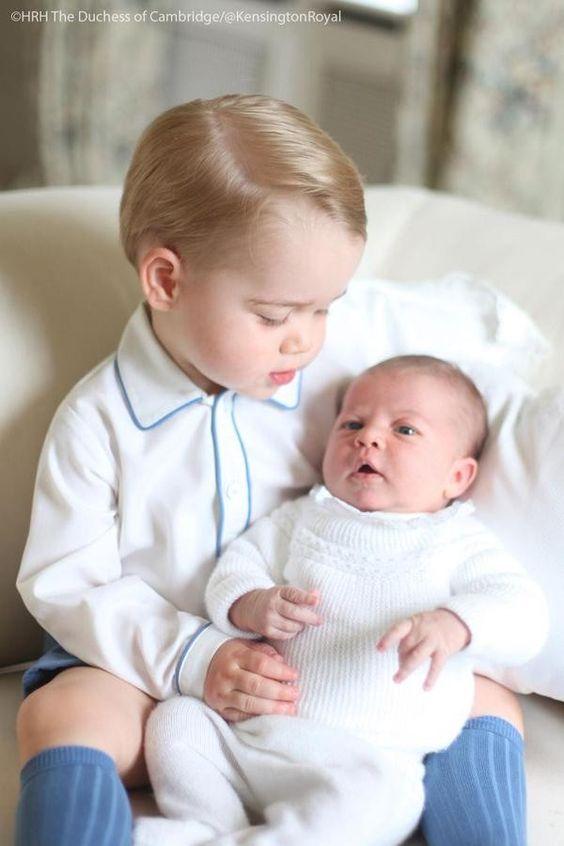 Prince George e Princess Charlotte  (Foto: Reprodução / Twitter - HRH The Duchess of Cambrigde / @kensingtonroyal)