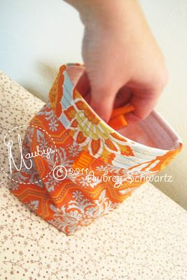 Re-Usable Snack Bag: Machine Washable and Stands Upright. Tutorial.: