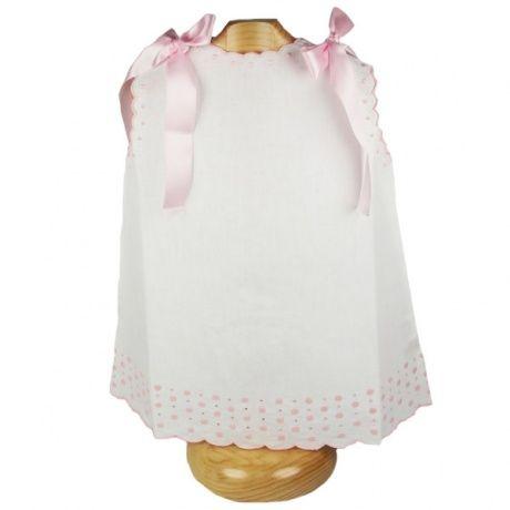 Faldon de hilo con bodoques rosas. Clásico faldón de hilo con bodoques rosas y lazos rosas. Talla única. 100% algodón. 25,00 €