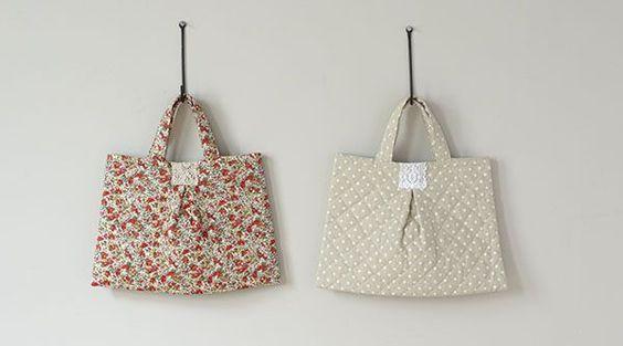 入り口にタックをつけるひと手間で、グンとおしゃれになったぺたんこバッグ。/キルティング地で作るコート&バッグ(「はんど&はあと」2012年11月号)