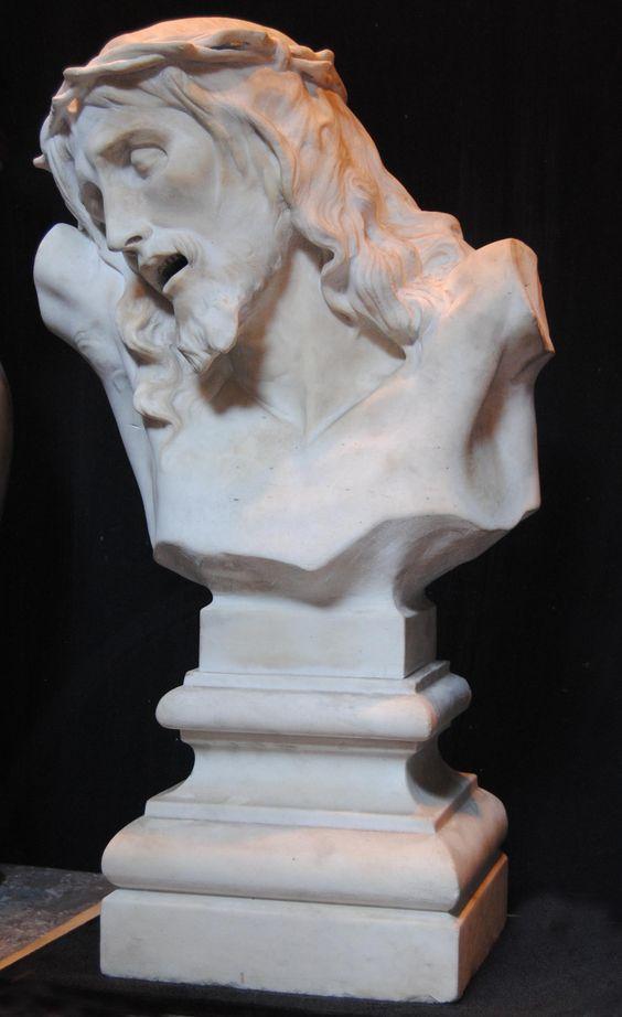 Busto de Cristo en la Cruz, Mármol del siglo XIX esculpido en una sola pieza
