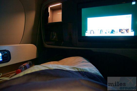 Schlafposition - Check more at https://www.miles-around.de/trip-reports/business-class/erstflug-singapore-airlines-airbus-a350/,  #A350-900 #Airbus #avgeek #Aviation #BusinessClass #DUS #Erstflug #Flughafen #Inauguralflight #SIN #SingaporeAirlines #SQ #TripReport
