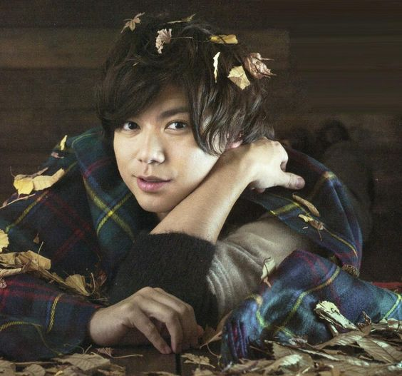 秋を感じる加藤シゲアキ